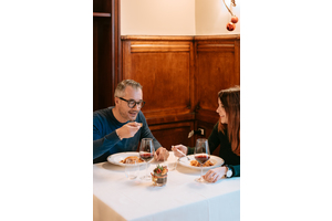 Eat with locals: The verona tour: food, wine, history