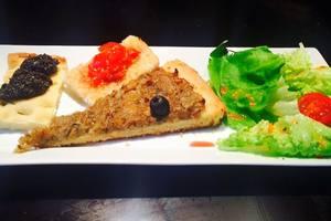 Eat with locals: Apprenez la vraie pizza ou les ravioli/pates fraiches à l'italienne !!