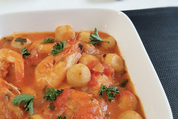 Repas antillais dombré aux crevettes