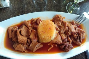 Eat with locals: Table d'hote