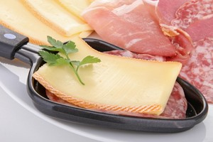 Eat with locals: Raclette