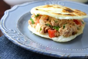 Manger chez l'habitant: Arepa a taste of venezuela / un avant-goût du venezuela