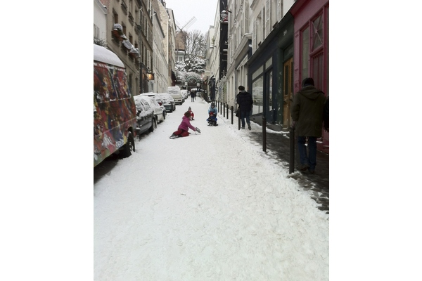 Artistic dinner in monmartre + visit monmartre by night !