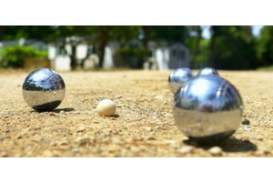 Eat with locals: Petanque