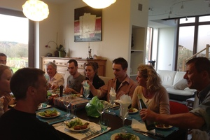 Eat with locals: Feel-good home dining!