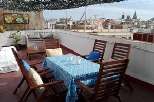 Eat with locals: Cava tasting on a beautiful roof terrace