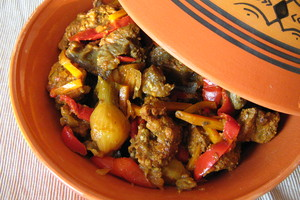 Eat with locals: Tajine au choix (poulet, boeuf, agneau)