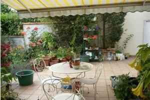Eat with locals: Buffet champêtre dans mon jardin si le temps le permet