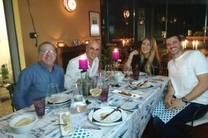 Cenas particulares como en su propia casa: Dining in a roman terrace sea food menu