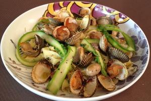 Eat with locals: Tagliatelles aux asperges vertes et aux coques fumées