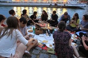 Eat with locals: Bonheurs parisiens: picnics ephérmères / picnic in paris!