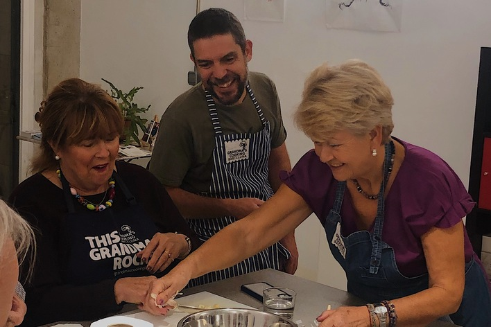 Private market & hands-on cooking class with a local grandma