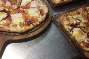 Manger chez l'habitant: Pizza au chalet
