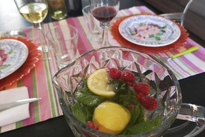 Eat with locals: French dinner at montmartre