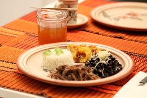 Eat with locals: °pabellon criollo° traditional venezuelan dish