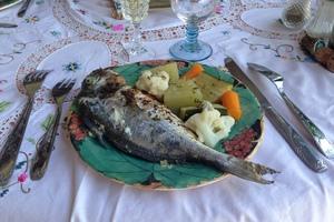 Eat with locals: Dîner marseillais autour d'une dorade bio du frioul au four