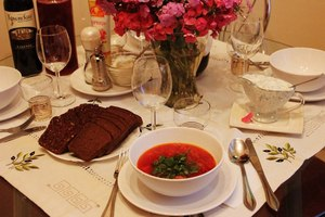 Eat with locals: La cuisine russe a moscou