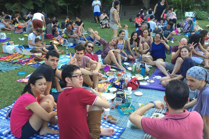 International picnic at the botanic garden