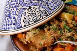 Cenas particulares como en su propia casa: Repas maghrébin dans une ambiance décontractée