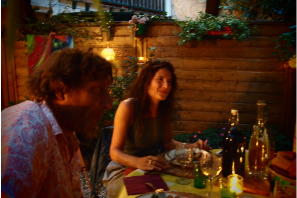"Visit montmartre with an artist after a ""bistro style"" apéritif  !"