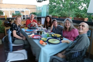 Cenas particulares como en su propia casa: Dining in a roman terrace vegeterian meal