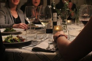 Eat with locals: Underground dinner