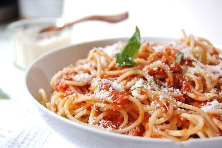 Spaguetti bolognaise végétarienne carotte rapé et mousse choco vegan
