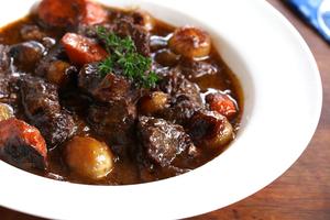 Eat with locals: Diner bourguignon
