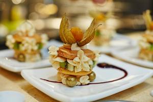 Manger chez l'habitant: Cours de cuisine avec un gagnant de masterchef / cooking class with a ...