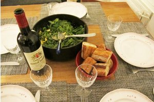 Eat with locals: Friendly family dinner in paris, charonne