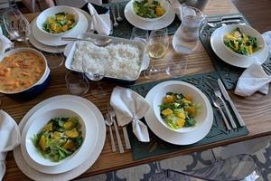 Eat with locals: Moqueca e caipirinha