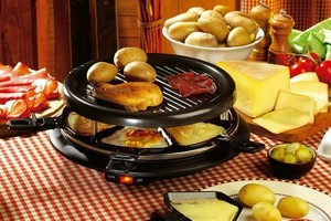 Eat with locals: Raclette party