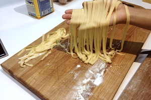 Eat with locals: Pasta like a pro! (cooking class and sitdown meal)